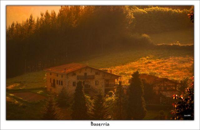 Este es el caserio en el que vive Olentzero. Foto Jabi Artaraz https://flic.kr/p/8snbY6